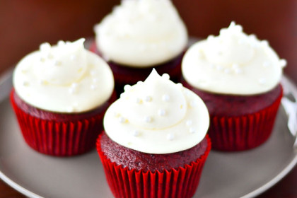 The Most Moist & Delicious Red Velvet Cupcakes!