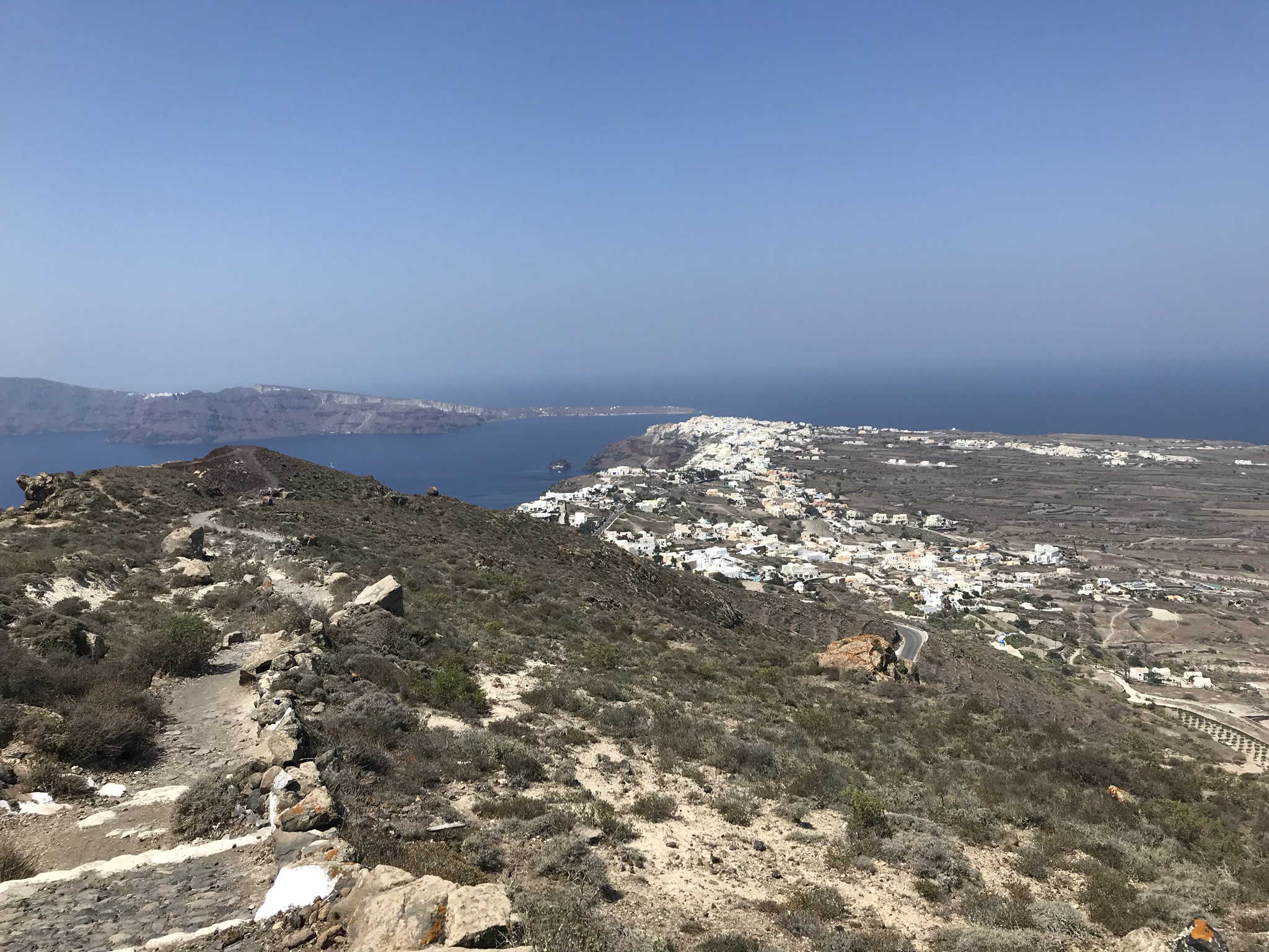 is the hike in Santorini worth it
